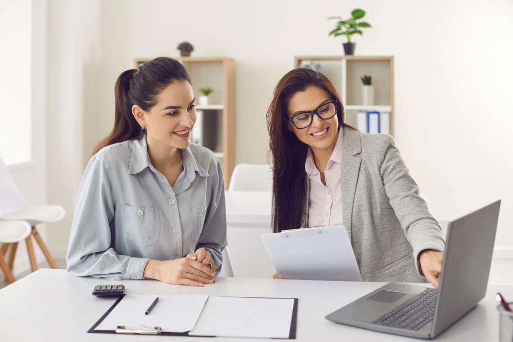 Quelle différence entre un trader et un broker?